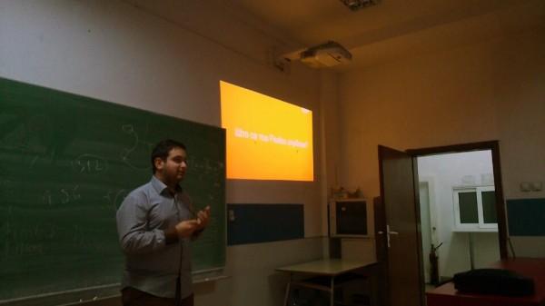 Иван Стаменов зборува за клубот на Firefox на ФИНКИ